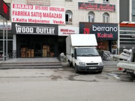 Başkent te park kavgası kanlı bitti: 4 yaralı
