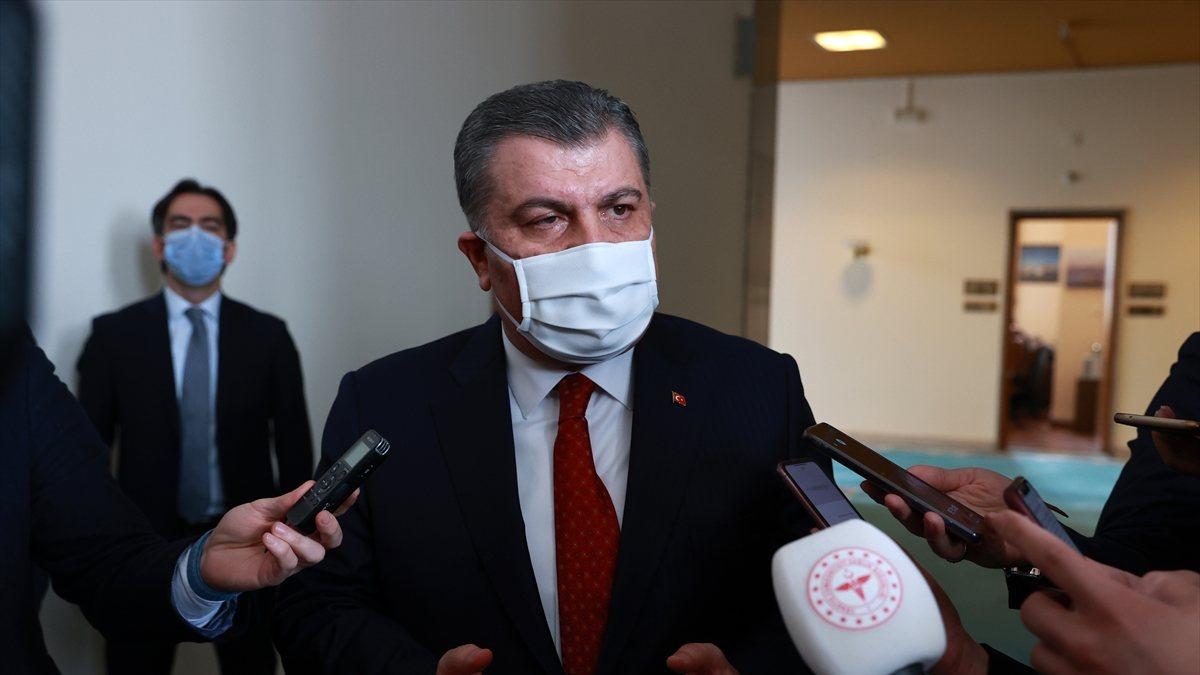 Sağlık Bakanı Koca: Kendimizi koruyup aşı sıramızı bekleyelim