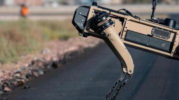 ABD Hava Kuvvetleri yeni bekçi köpeklerini 'robotlardan seçti'