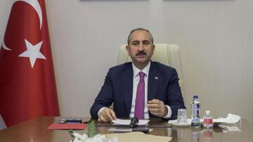 Adalet Bakanı Gül, 5 Nisan Avukatlar Günü dolayısıyla mesaj yayımladı