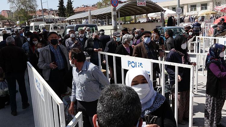 Burdur'da tam kapanma yoğunluğu! 'Pazar hiç bu kadar kalabalık olmamıştı'