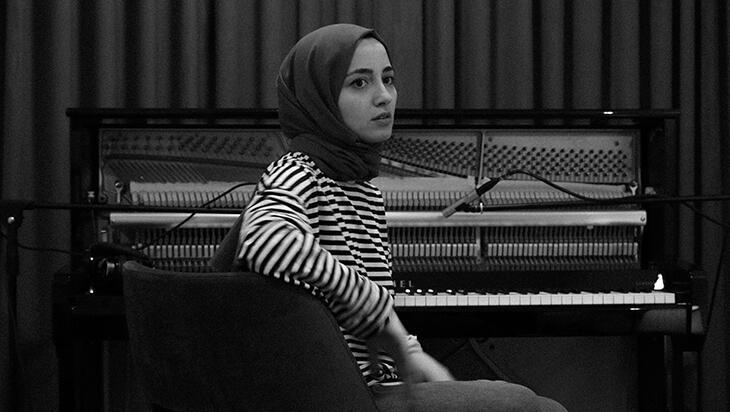Büşra Kayıkçı'dan Deutsche Grammophon etiketiyle yeni kayıt