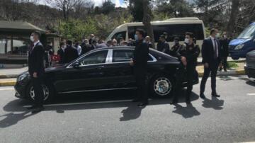 Cumhurbaşkanı Erdoğan Sarıyer'de minibüs durağına uğradı