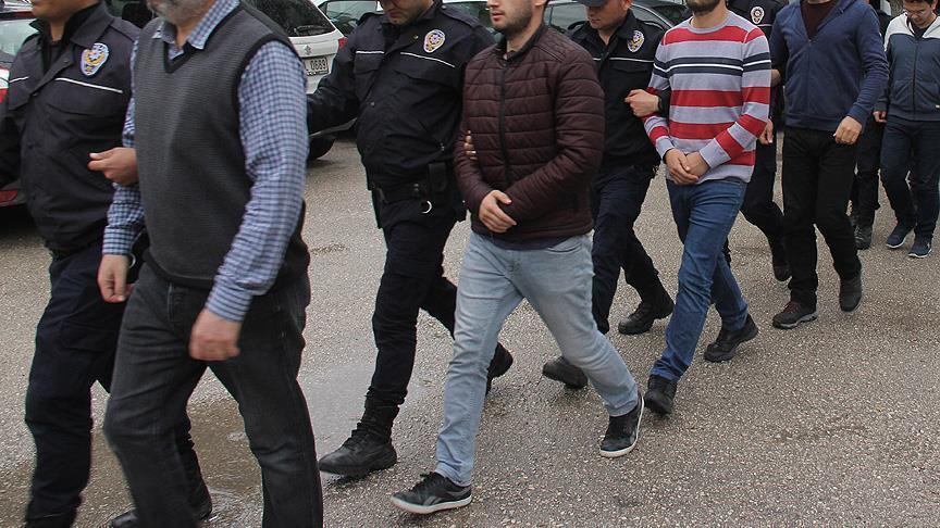 Diyarbakır'da düzenlenen terör operasyonunda aralarında HDP'li yöneticilerin de bulunduğu 11 şüpheli yakalandı