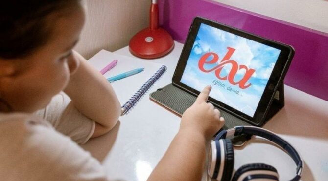 EBA'da dersler devam ediyor: 21 Nisan EBA TV ders saatleri ve ders programı