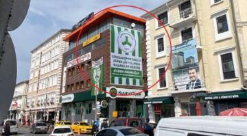 İmamoğlu'nun gönderdiği bayrağın asıldığı binanın sahibi MHP'li çıkınca…