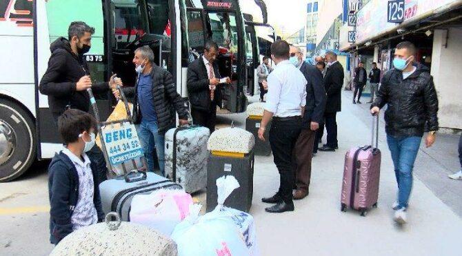 İstanbul'dan göç başladı: Bilet sistemleri kilitlendi