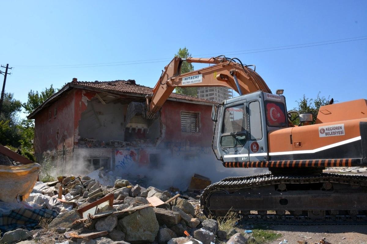 Keçiören de 2 yılda 2 bin 300 metruk yapı yıkıldı