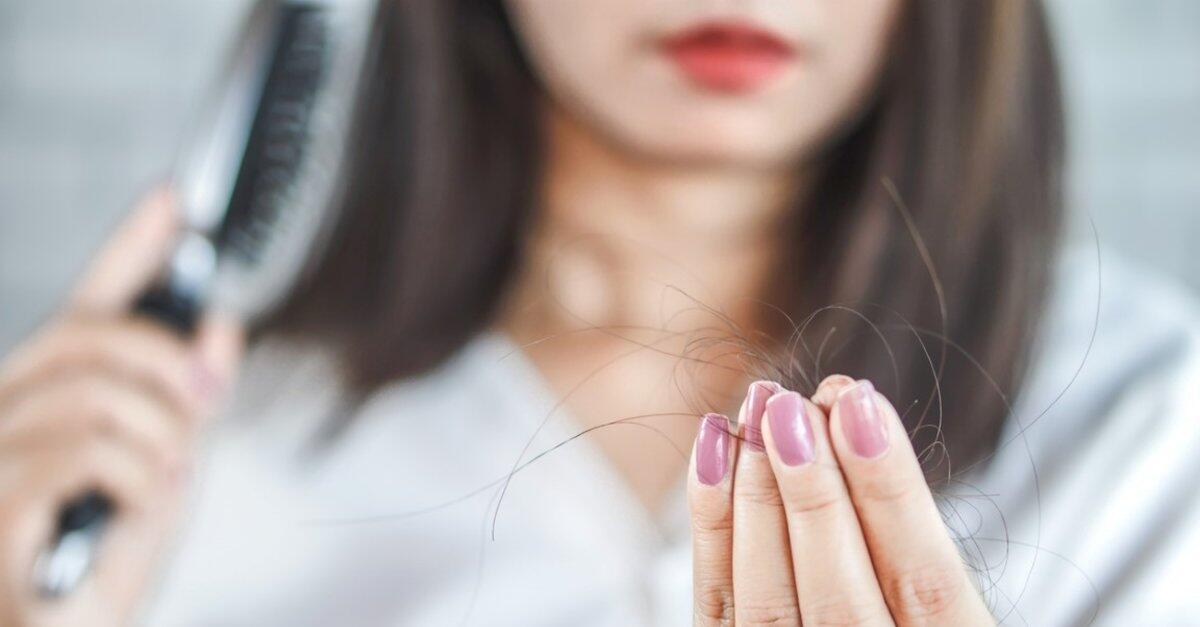 Kronik stresin saç dökülmesine yol açan asıl nedeni nedir?