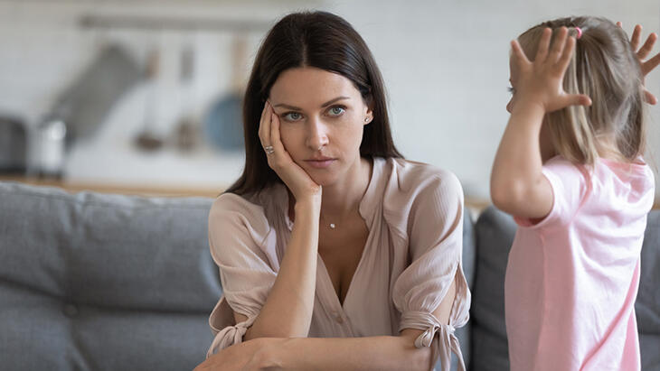 Öfke nöbeti geçiren çocuğa nasıl davranmak doğru olur?