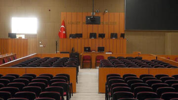 Öğrencisine cinsel istismarda bulunduğu iddia edilen öğretmene 30 yıl hapis istemi