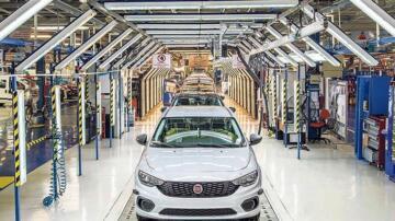 Otoda en çok satan Fiat, hafif ticari lideri Ford
