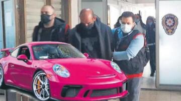 Pembe Porsche'lu çete lideri! 'Ben komiser Schneider…'