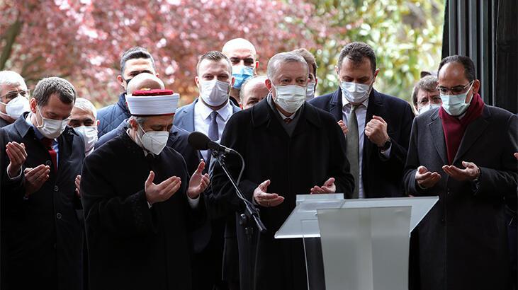 Son dakika! Cumhurbaşkanı Erdoğan, Turgut Özal'ı anma töreninde Kur'an okudu