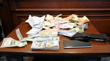 Takside unutulan 200 bin lirayı sahibine verdi