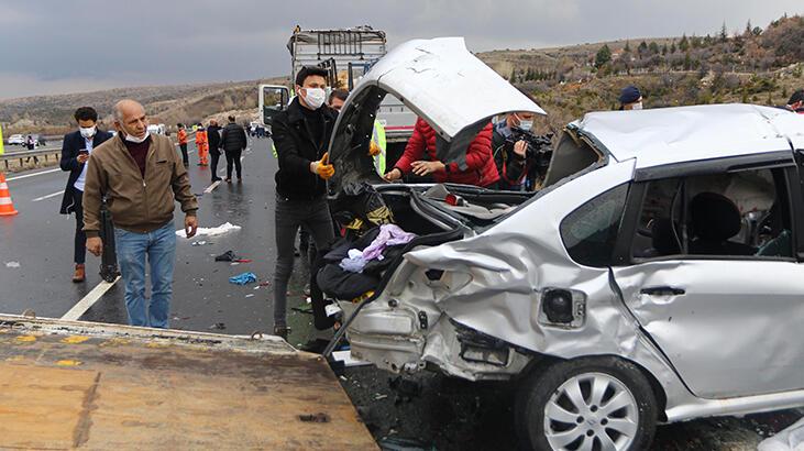 TEM'de 4 kişinin öldüğü kazadan feci görüntüler