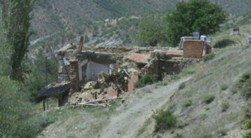 AFAD'ın 'ev yapma' kararsızlığı depremzedeleri bıktırdı