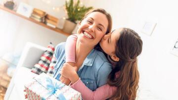 Annelere sanal hediye yağmuru