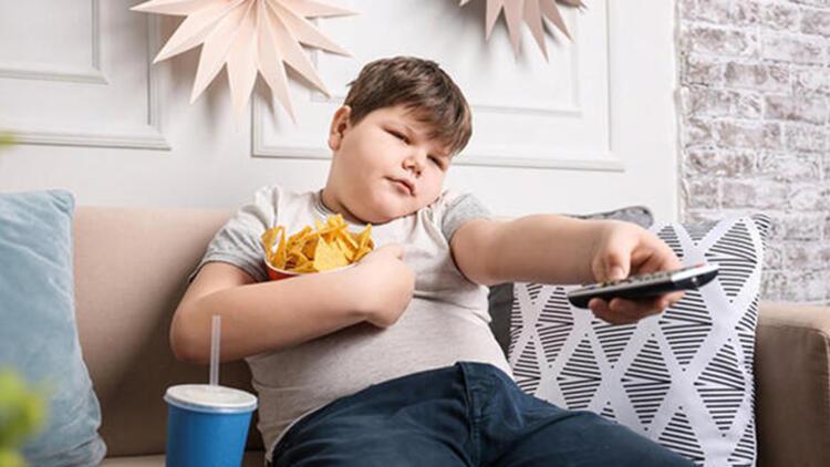 Büyünce kilo verir diye düşünmeyin! Her 3 obez çocuktan 1'i…