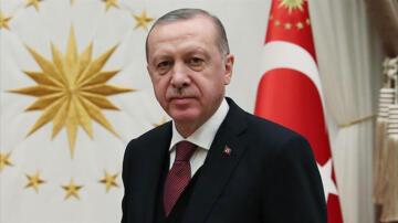 Cumhurbaşkanı Erdoğan, şampiyon Beşiktaş ve taraftarını tebrik etti