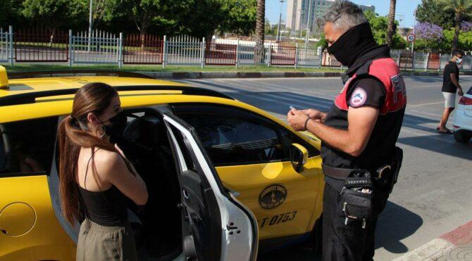 Genç kızın taksiyle yolculuğu pahalıya mal oldu