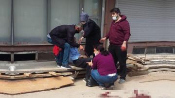 Son dakika… Sokak ortasında ayaklarından vuruldu! Kanlar içinde yere yığıldı