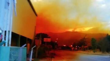 Burası Antalya! Gökyüzü turuncuya boyandı