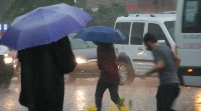 Sağanak yağış esir alacak… İstanbul'da 5 gün sürecek!