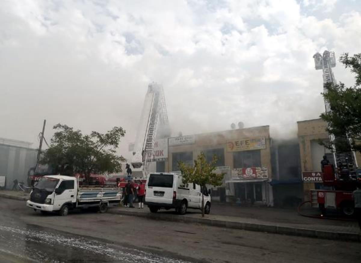 Ankara da iş merkezinin çatısında yangın (2)