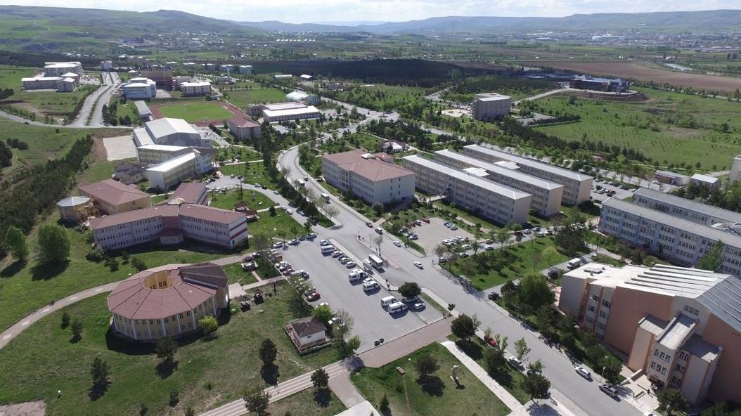 Cumhuriyet Üniversitesi'nde özelleştirme skandalı