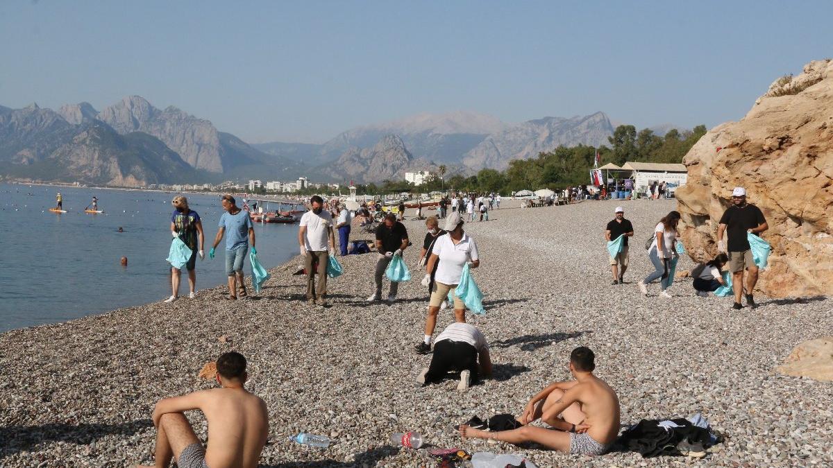 Dünyaca ünlü sahilden 30 dakikada çıkan çöp pes dedirtti