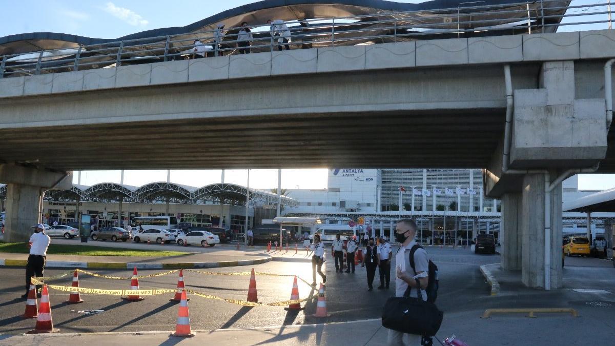 Finlandiyalı turist havalimanında intihar etti