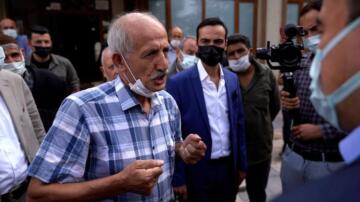 Vatandaştan Babacan'a: Biraz daha hızlı sallarsanız düşecekler