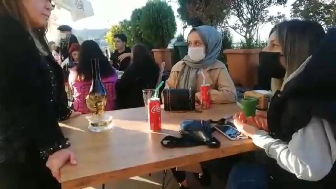 Genç kadından 'telefonu çıkarın' isyanı: Z kuşağı bunları görüyor, hiçbiri oy vermeyecek